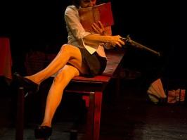 Au Banquet de Marianne/Danielle Rochard est Montesquieu avec un pistolet