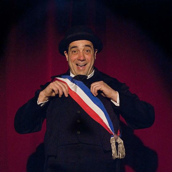 Ni Beaux Ni Menteurs/Dominique Touzé est Le Maire