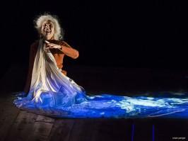 Mauricette ou l'Amour du Théâtre Municipal/Danielle Rochard et sa robe vidéo