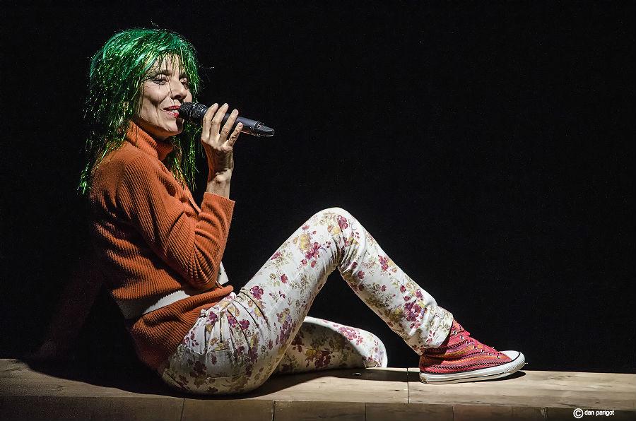 Mauricette ou l'Amour du Théâtre Municipal/Danielle Rochard est une danseuse de la revue Tichadel