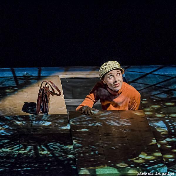 Mauricette ou l'Amour du Théâtre Municipal/Danielle Rochard sort de la trappe
